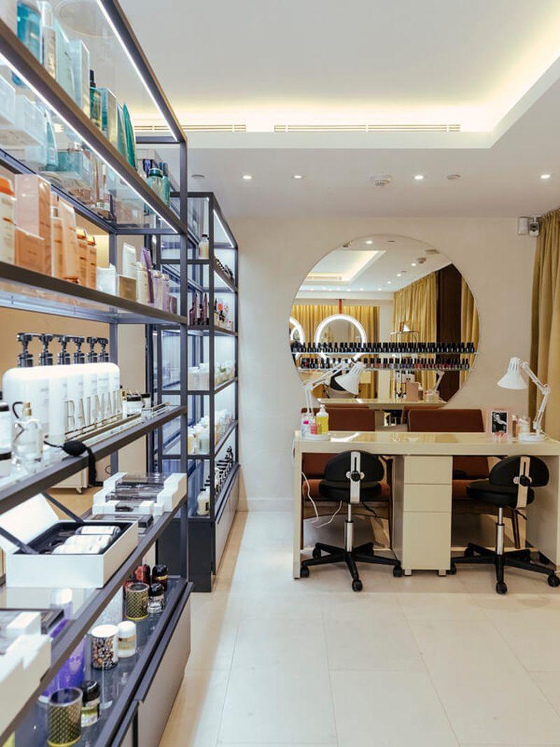 оборудование для салона красоты, дизайн интерьера, дизайн салона красоты, комплексное оформление салона красоты, мебель под заказ, планировка салона красоты, мебель для салона красоты, стол для мастера маникюра под заказ, витрина, зеркало, салон красоты, витринадля косметики, торговое оборудование, мебель для салона красоты
