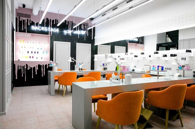 дизайн салона красоты, мебель для салона красоты, маникюрный стол, салон маникюра, сал красоты под ключон