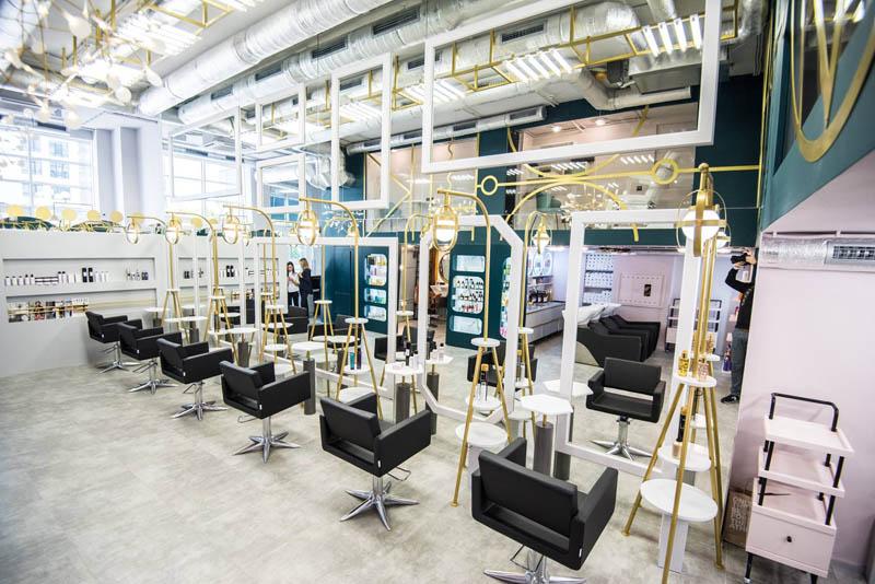 backstage, дизайн салона красоты, комплексное оформление салона красоты, мебель в салон красоты, ресепшн в салон красоты, ресепшн, салон красоты под ключ, ресепшн для салона красоты, витрина, рабочее место парикмахера, визажное место, зеркало с подсветкой, зеркало в салон красоты,мебель на заказ, колор бар, маникюрный стол, стол для маникюра, ритейл зона, зона продаж в салоне красоты, зона маникюра в салоне красоты, мебель для салона красоты