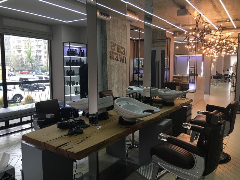 backstage, дизайн салона красоты, комплексное оформление салона красоты, мебель в салон красоты, ресепшн в салон красоты, ресепшн, салон красоты под ключ, ресепшн для салона красоты, витрина, рабочее место парикмахера, визажное место, зеркало с подсветкой, зеркало в салон красоты, мебель на заказ, колор бар, маникюрный стол, стол для маникюра, ритейл зона, зона продаж в салоне красоты, салон красоты под ключ, интерьер салона красоты