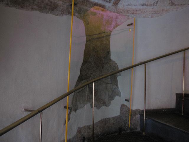 стекланная защитная конструкция для церковной памятки