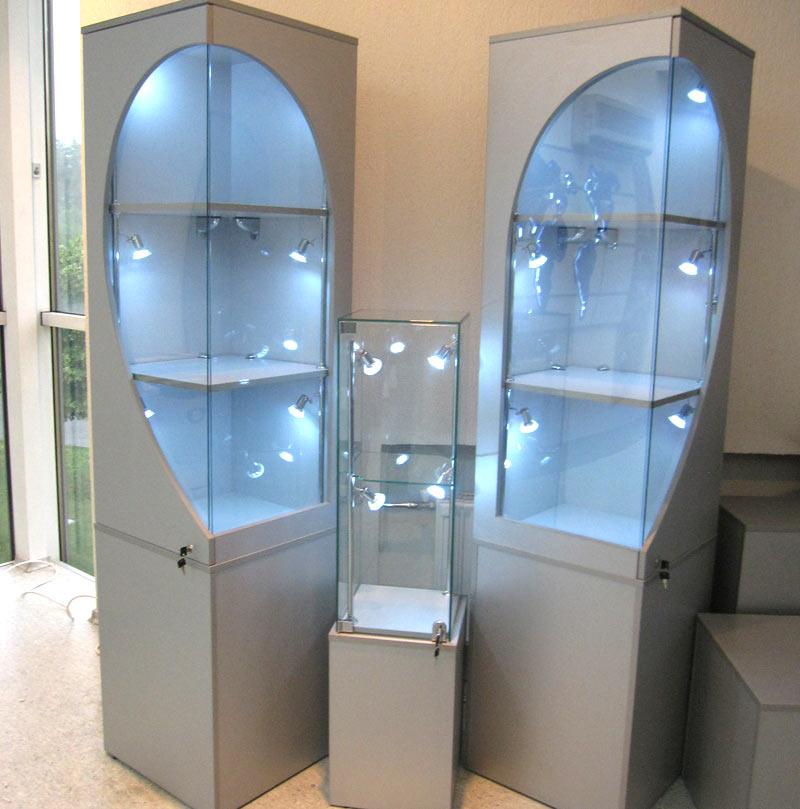 комплексное оформление офисного помещения, планировка офиса, офисная мебель, мебель для бизнеса, витрина с подсветкой, шкаф для документов с
